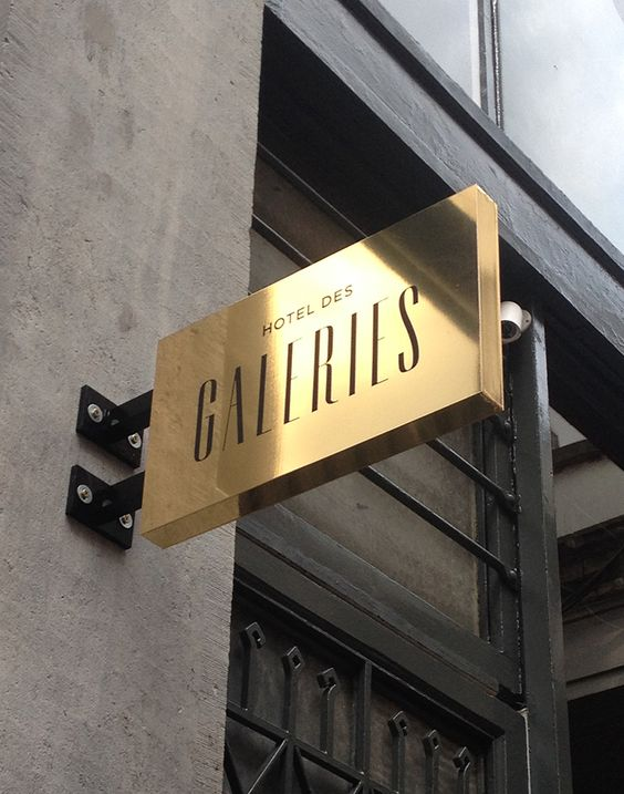 Signage - Hotel des Galeries