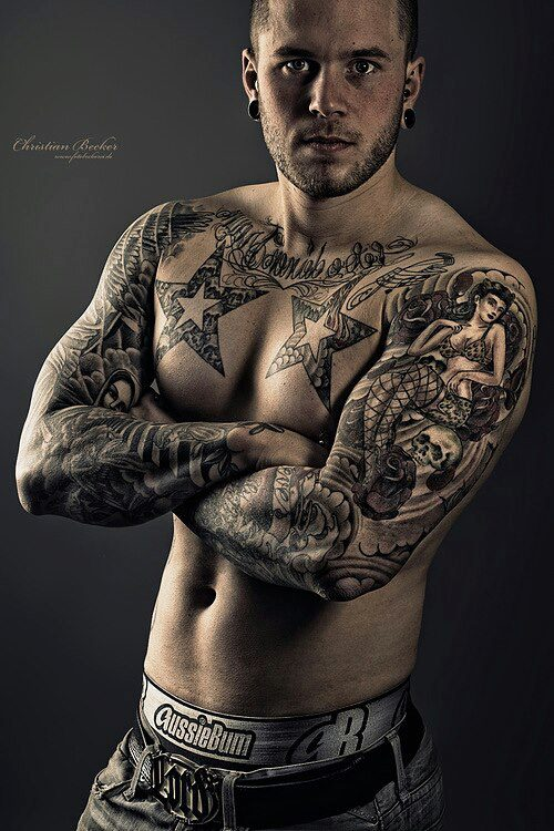 Great photo of tattooed model Flo von D!