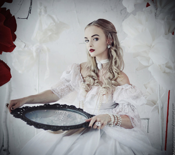 alice_in_wonderland__the_white_queen_by_mariannainsomnia-d68q46o